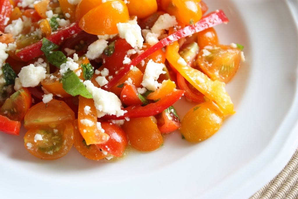 Sweet and Simple Tomato Pepper Salad Recipe | FakeFoodFree.com