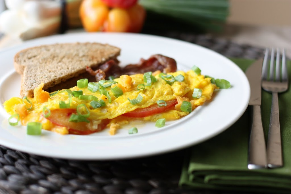 Easy Heirloom Tomato Omelet Recipe