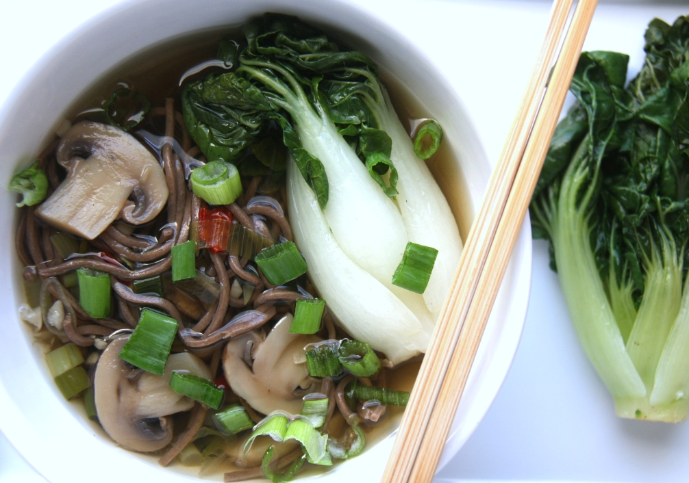 Delicious Soba Noodles and Mushrooms in a Ginger Garlic Broth Recipe | Fake Food Free