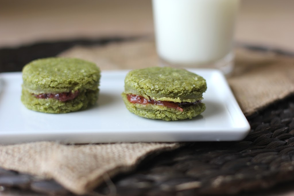 Matcha tea cookies filled with gooseberries recipe | Fake Food Free