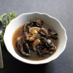 Slow Cooker Mushroom and White Bean Soup with Red Wine Recipe