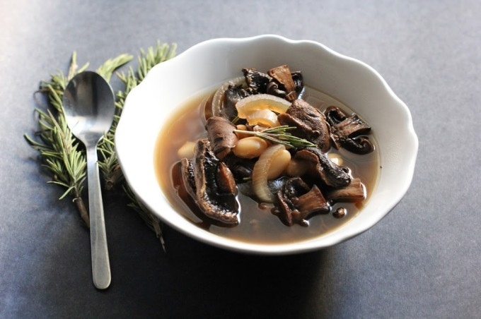 Slow Cooker Mushroom and White Bean Soup with Red Wine | Fake Food Free