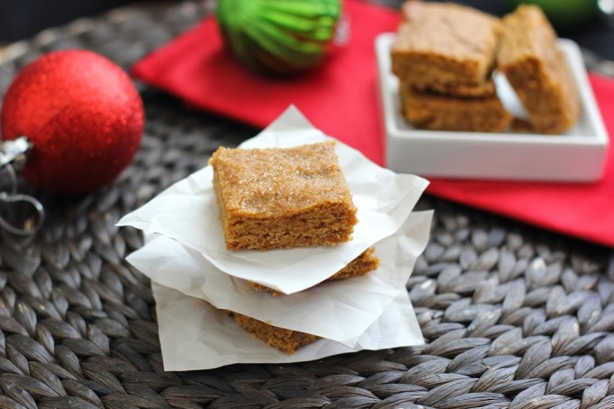 Ginger Molasses Cookie Bars | Fake Food Free