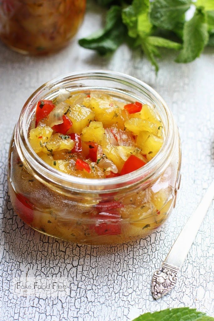 Pineapple Mint Chutney Recipe | fakefoodfree.com