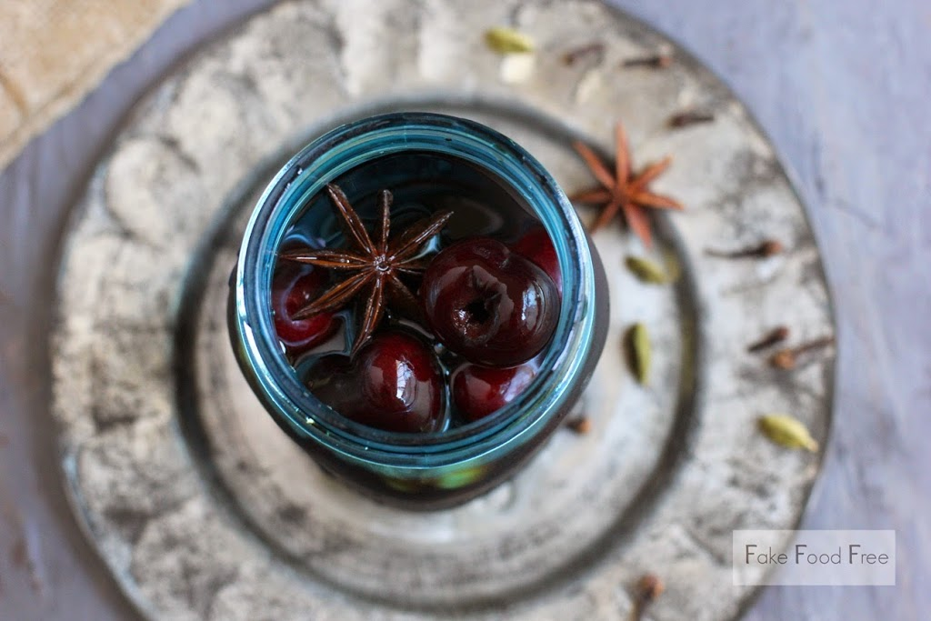 Spiced Balsamic Pickled Cherries Recipe | fakefoodfree.com