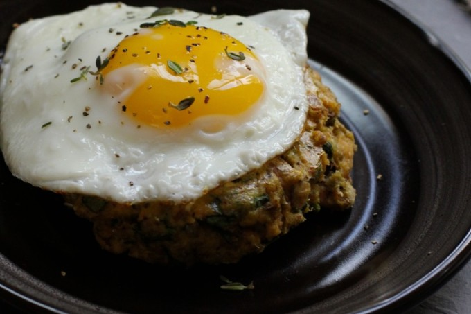 Salmon and Spinach Cakes with Eggs 1