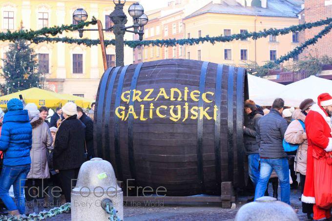 Krakow Christmas Market | Fake Food Free #travel #christmas #Poland