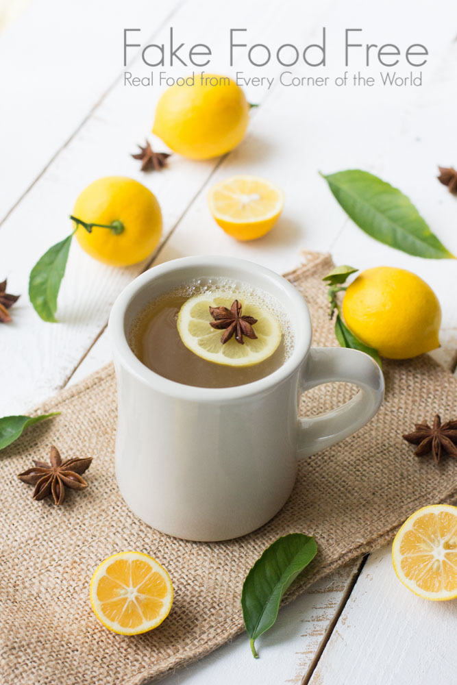 Meyer Lemon Bourbon Winter Warmer | Fake Food Free | A warm cocktail made with spiced, fresh lemonade and Kentucky bourbon.