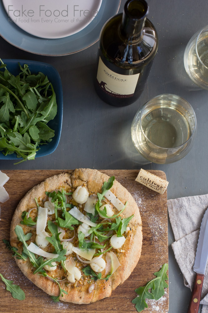 Grilled Pizza with Scallops, Shallots and Arugula paired with Cultivar Rutherford Sauvignon Blanc | Fake Food Free