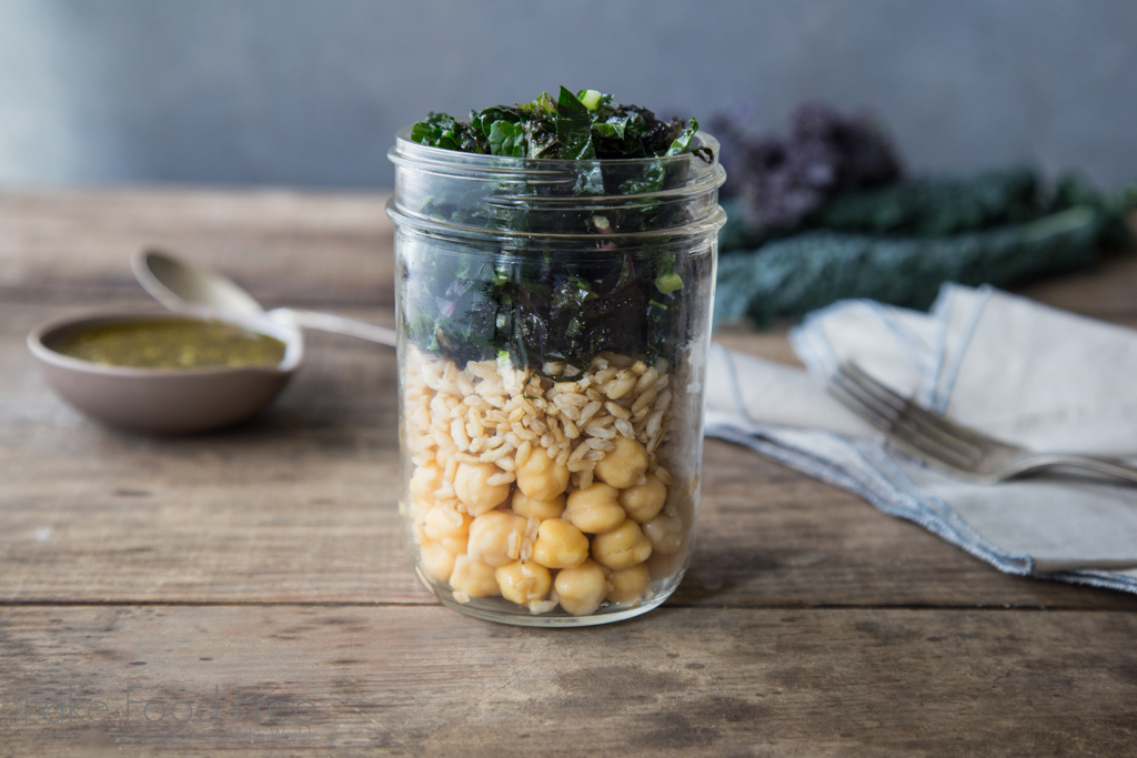 Pesto Chickpea, Brown Rice, and Kale Salad in a Jar Recipe