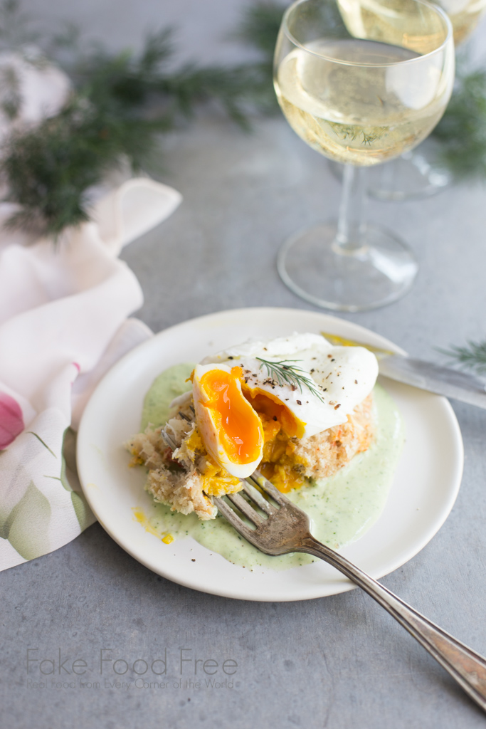 Crab Cakes Benedict Recipe made with local farm-fresh eggs and paired with Cultivar Chardonnay (sponsored post)