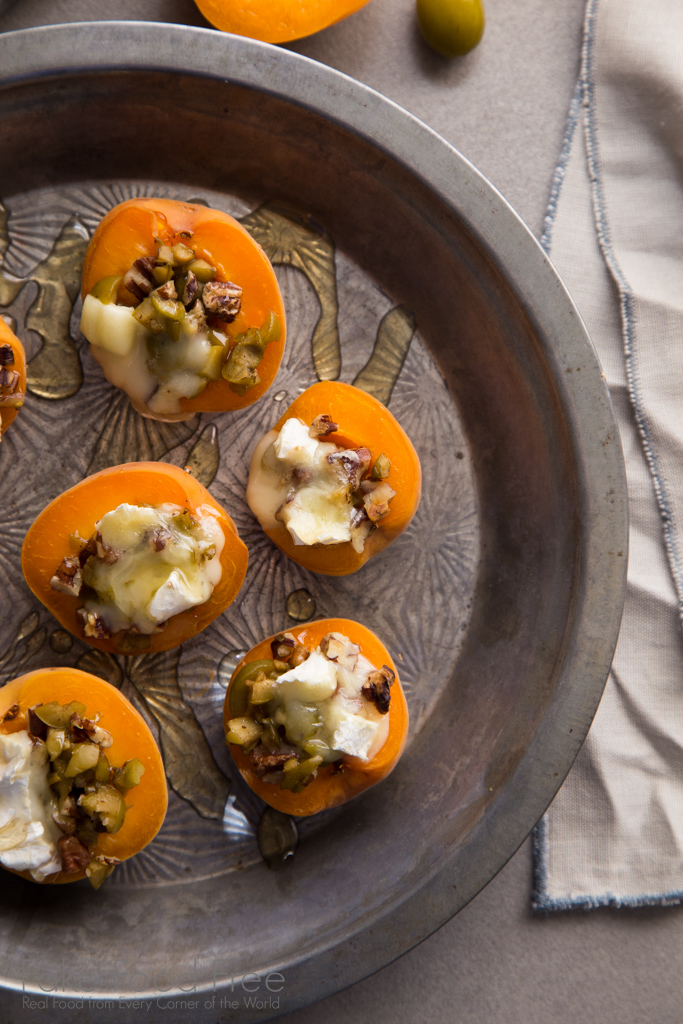 Recipe for warm apricots stuffed with green olives, pecans, Brie and honey | FakeFoodFree.com