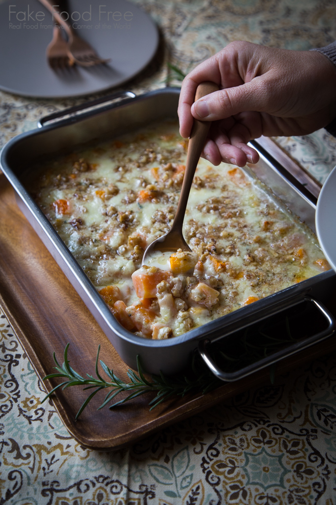 There is no cream in this Butternut Squash Gratin Recipe, just silky blue cheese and rich chicken stock. | FakeFoodFree.com