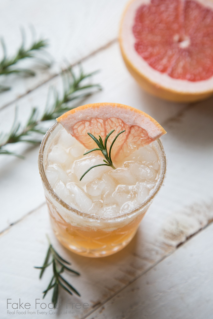 Rosemary Sweet and Salty Dog Cocktail Recipe at FakeFoodFree.com